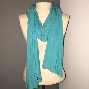 Gap blue scarf